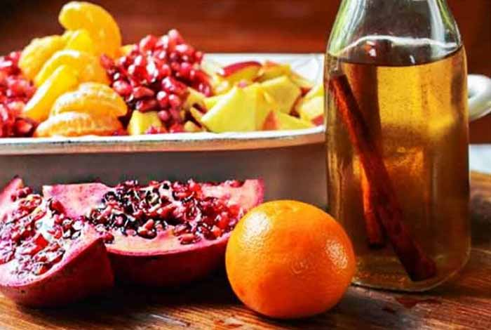 orange pomegranate cinnamon detox water
