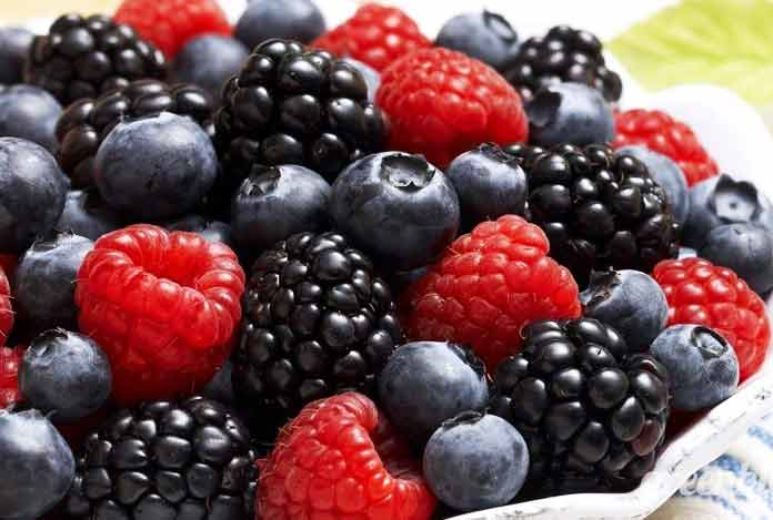 Include Berries in Diet for reduce belly fat