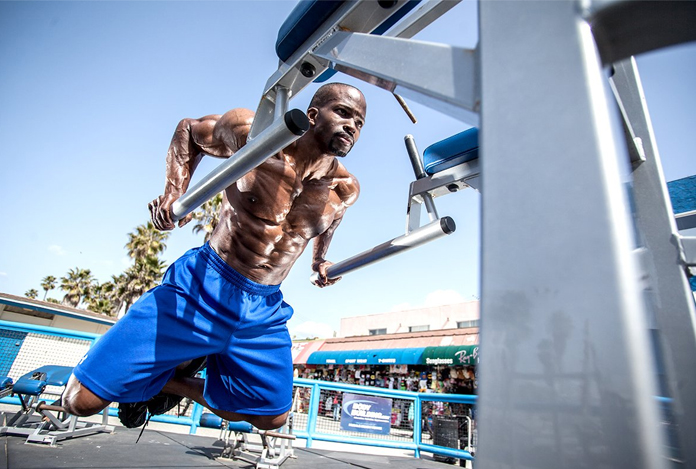 Dips for Building Your Chest Muscles – Follow the Perfect Plan!