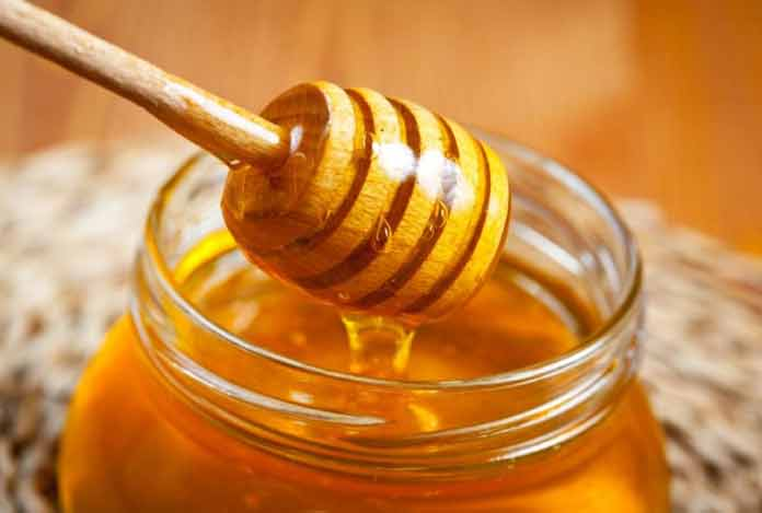 Honey for Treat your damaged hair