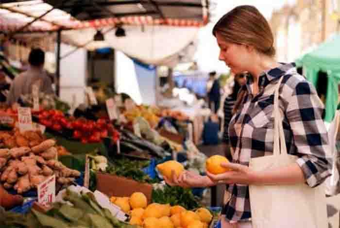 consume seasonal local and fresh fruits